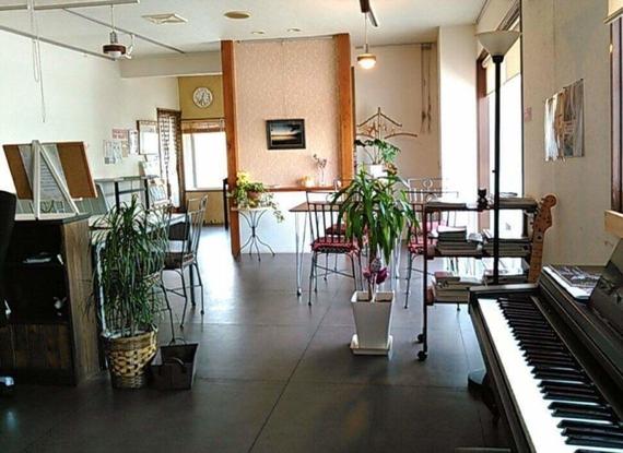 北海道函館市にあるコワーキングスペース コワーキングカフェ小春日和(CO-HARU-CAFE)