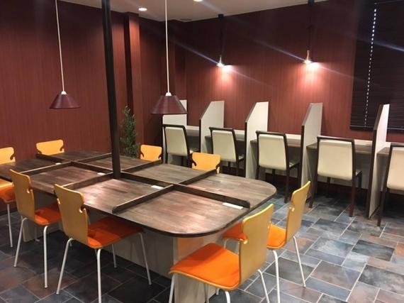 大阪府大阪市北区にあるコワーキングスペース 勉強カフェ大阪うめだ