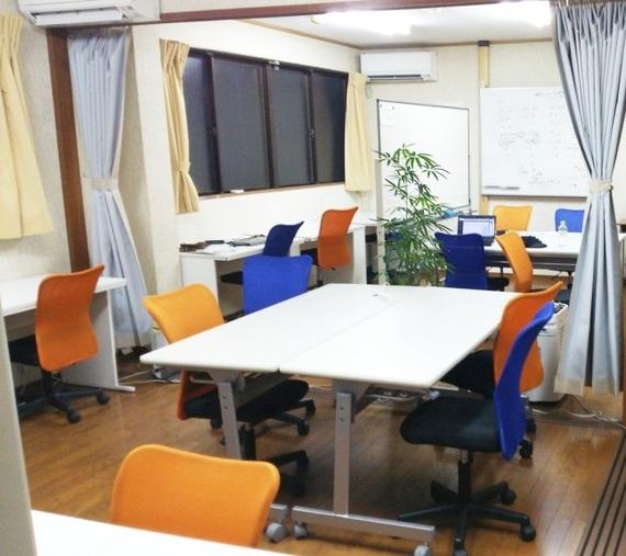 大阪府豊中市にあるコワーキングスペース コワーキングスペース・シェアオフィス Umidass(ウミダス)