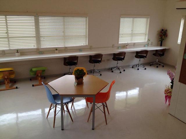 沖縄県那覇市にある勉強カフェ 那覇ラーニングスタジオ