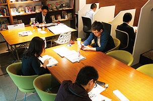 神奈川県横浜市中区にあるコワーキングスペース 勉強カフェ 横浜関内スタジオ