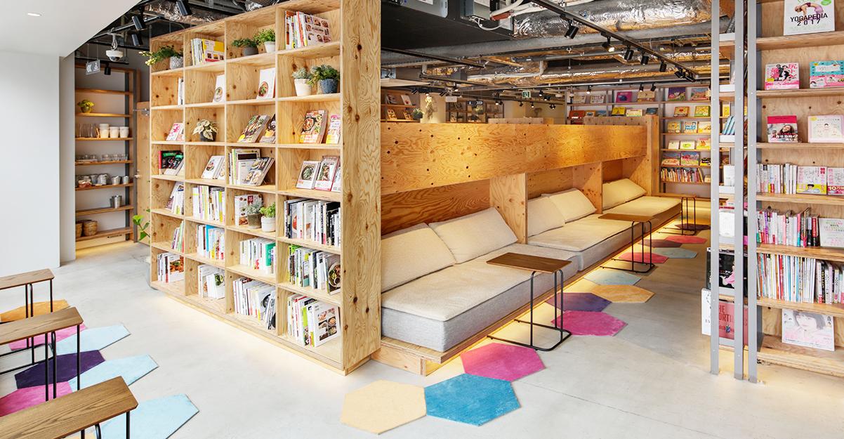 東京都新宿区にあるTSUTAYA BOOK APARTMENT(ツタヤブックアパートメント)