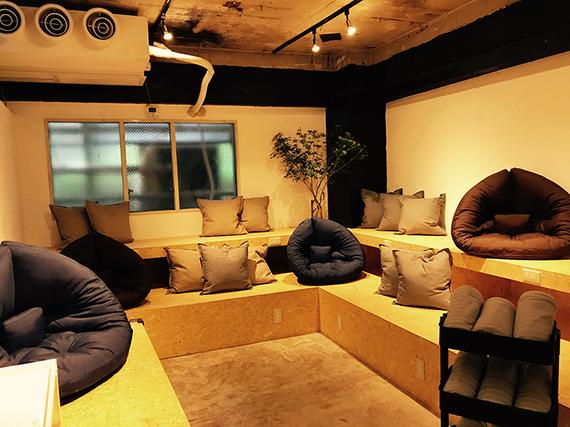 東京都渋谷区にあるコワーキングスペース basement cafe(ベースメントカフェ)