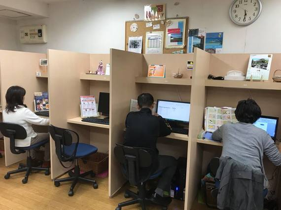 神奈川県横浜市南区にあるコワーキングスペース KONOMACHI-CAFE横浜弘明寺店(コノマチ カフェ)