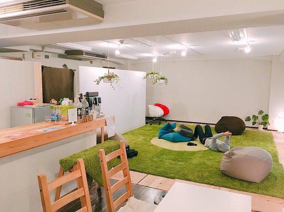 大阪府大阪市北区にあるコワーキングスペース コワーキングカフェROUGH LABO produce by ENxJIN(ラフラボ プロデュース バイ エンジン)