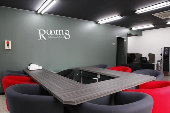 愛知県春日井市にあるコワーキングスペース 株式会社Room8