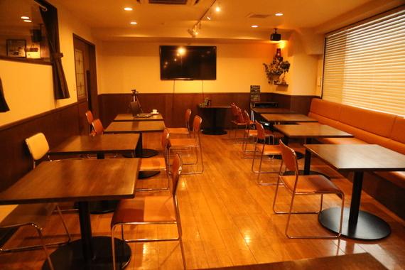 千葉県柏市にあるコワーキングスペース シェアオフィス&カフェバー キャロルガーデン
