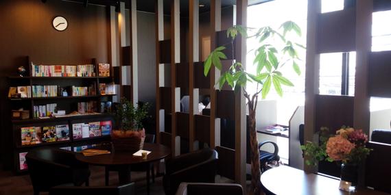 神奈川県川崎市高津区にあるコワーキングスペース 勉強カフェ 溝の口スタジオ